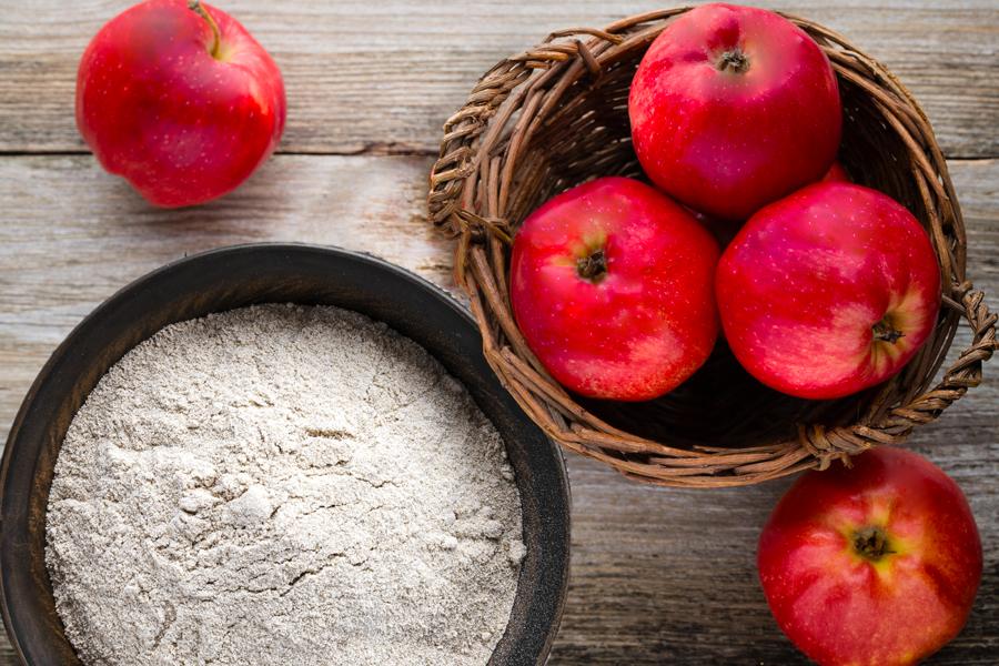 安曇野産石臼挽きそば粉・りんごを使ったオリジナル商品