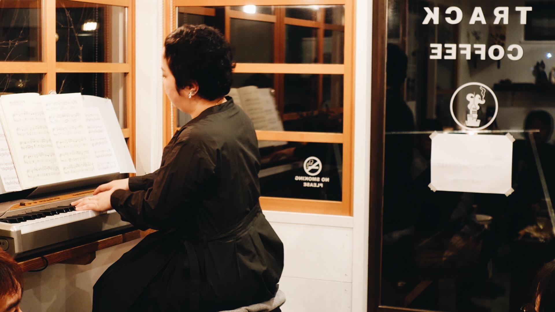 TAKENOSU BAKEピアノ